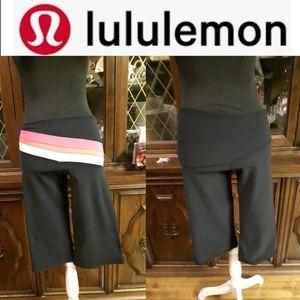 size 4 lululemon reversible athletics capris